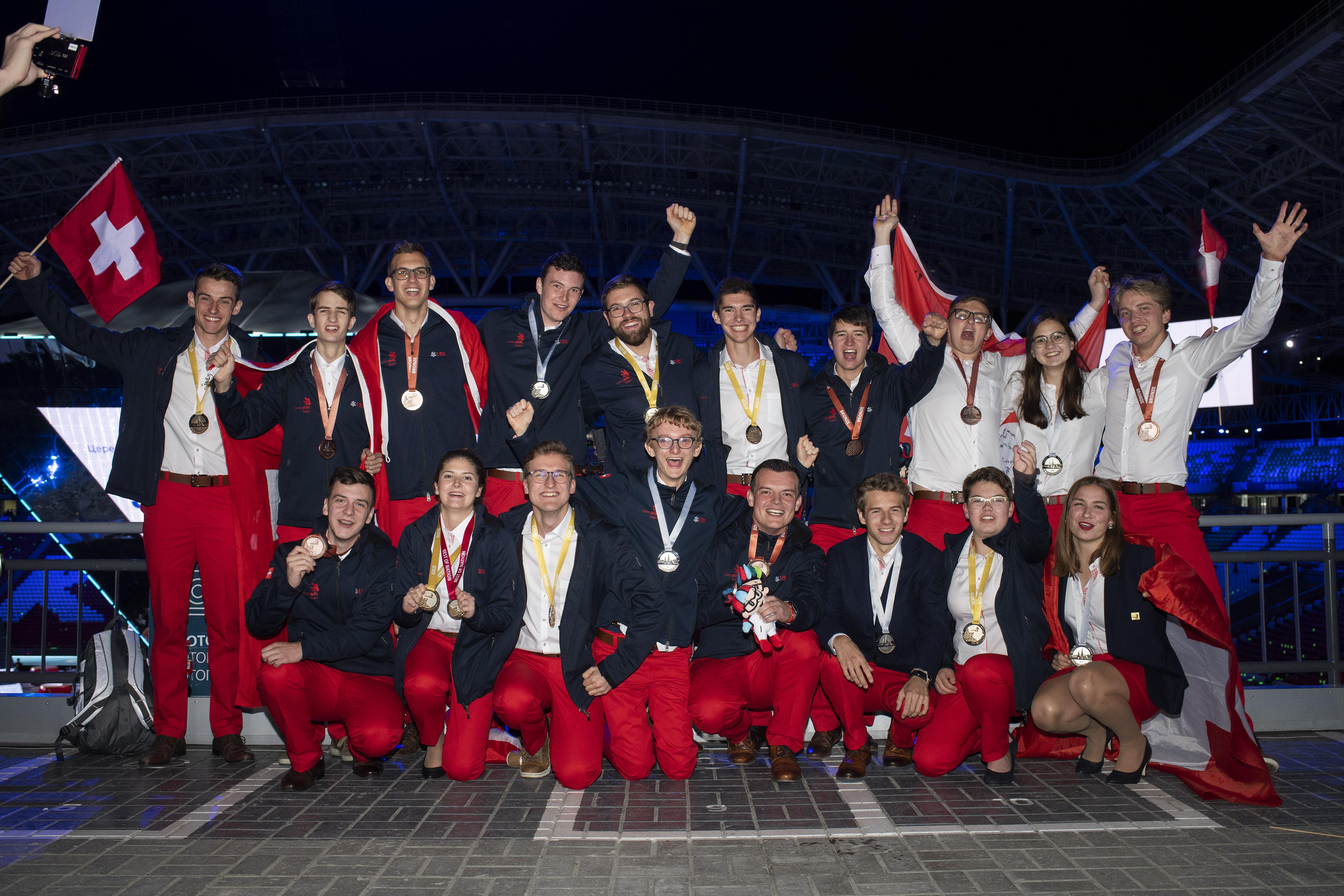 Bärenstarkes Berner Team holt an den WorldSkills 1x Gold, 1x Silber, 2x Bronze, 3 Diplome und 2 Zertifikate